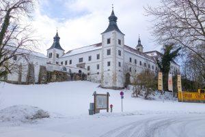 Schloss Salaberg Schneebedeckt im Winter