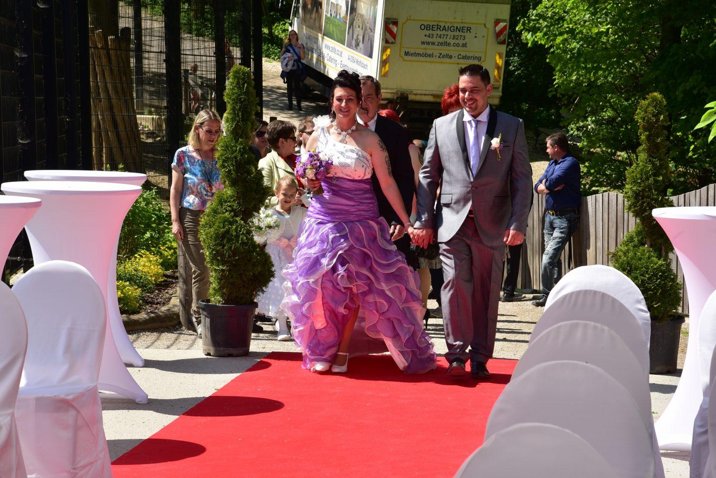 Einzug des Hochzeitspaares zur Trauung